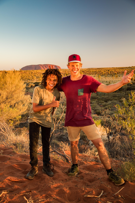 BW2 Kamil Kayne in front of Uluru-500049